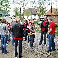 2010-05-01-Maibaumaufstellen_007