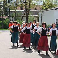 2010-05-01-Maibaumaufstellen_027