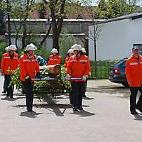 2010-05-01-Maibaumaufstellen_028