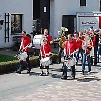 2010-05-01-Maibaumaufstellen_034