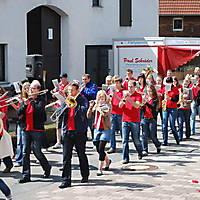2010-05-01-Maibaumaufstellen_035