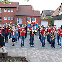 2010-05-01-Maibaumaufstellen_039