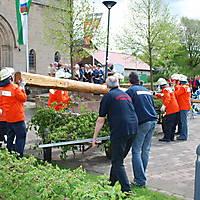 2010-05-01-Maibaumaufstellen_044