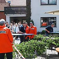 2010-05-01-Maibaumaufstellen_046