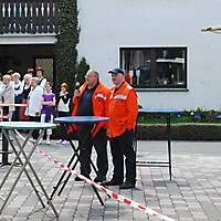 2010-05-01-Maibaumaufstellen_047
