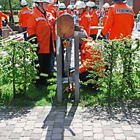 2010-05-01-Maibaumaufstellen_052