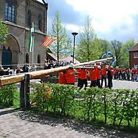 2010-05-01-Maibaumaufstellen_053