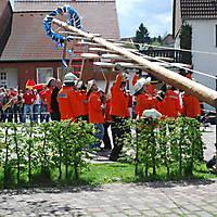 2010-05-01-Maibaumaufstellen_056