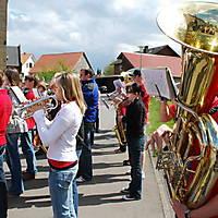 2010-05-01-Maibaumaufstellen_070