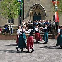 2010-05-01-Maibaumaufstellen_075