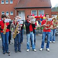 2010-05-01-Maibaumaufstellen_084