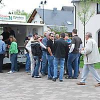 2010-05-01-Maibaumaufstellen_085