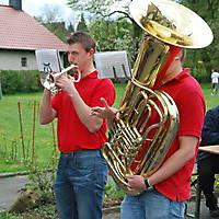 2010-05-01-Maibaumaufstellen_091