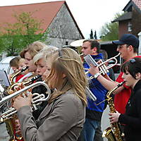 2010-05-01-Maibaumaufstellen_092