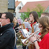 2010-05-01-Maibaumaufstellen_093